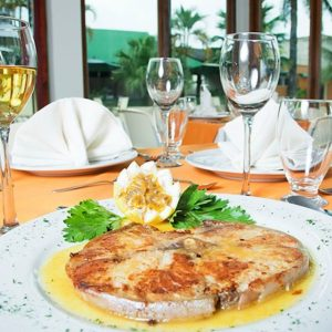 hotel-anaconda-amazonas-restaurante-2-600x450